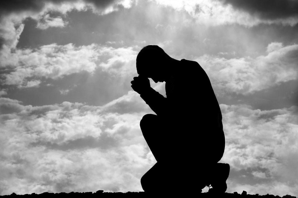 kneeling-in-prayer-photos
